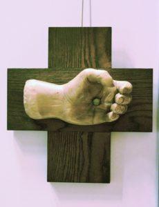004crucifix